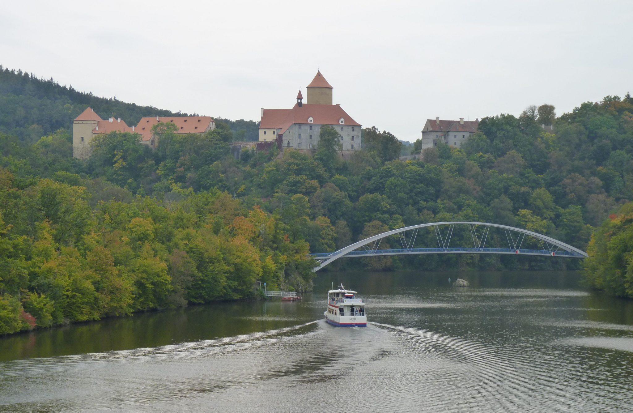 Brno,_hrad_Veveří_a_lávka