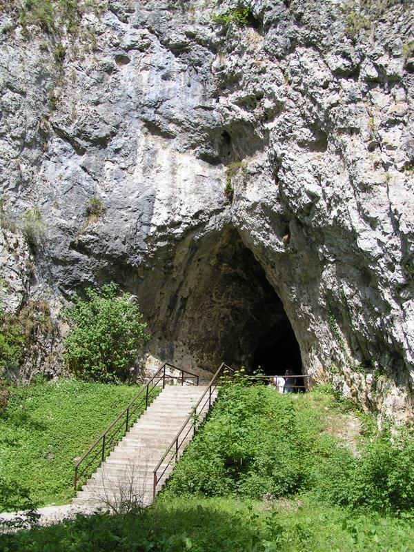Katerinska Cave